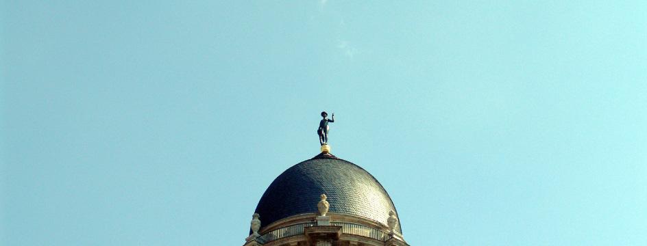 Fortuna-Figur auf der Kuppel des Berliner Stadthauses, Foto ©Marion Haufe, Senatsverwaltung für Inneres und Sport
